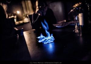 6803-Leker-med-elden