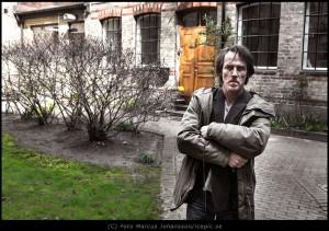 Michel utanför sin studio