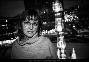Kursdeltagare Irina som går en 3-stegs utveckling