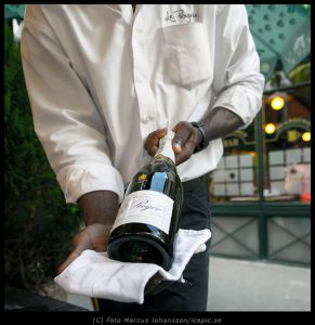 5466-Serverar-Champagne