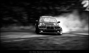 1449-bmw-drift