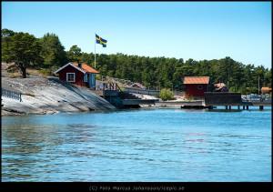 9192-Rod-stuga-Sandhamn