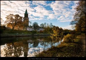 Vy över Aura-ån och Domkyrkan i Åbo
