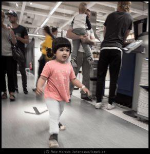 Angeli utforskar Ikea