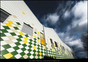 9837-fasad-mot-himmel